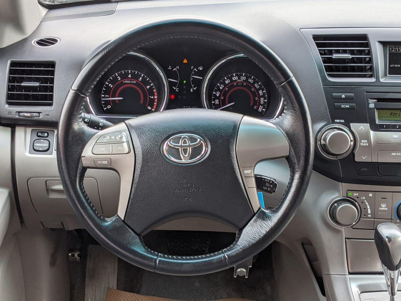 2009 Toyota Highlander V6 for sale in Edmonton, Alberta