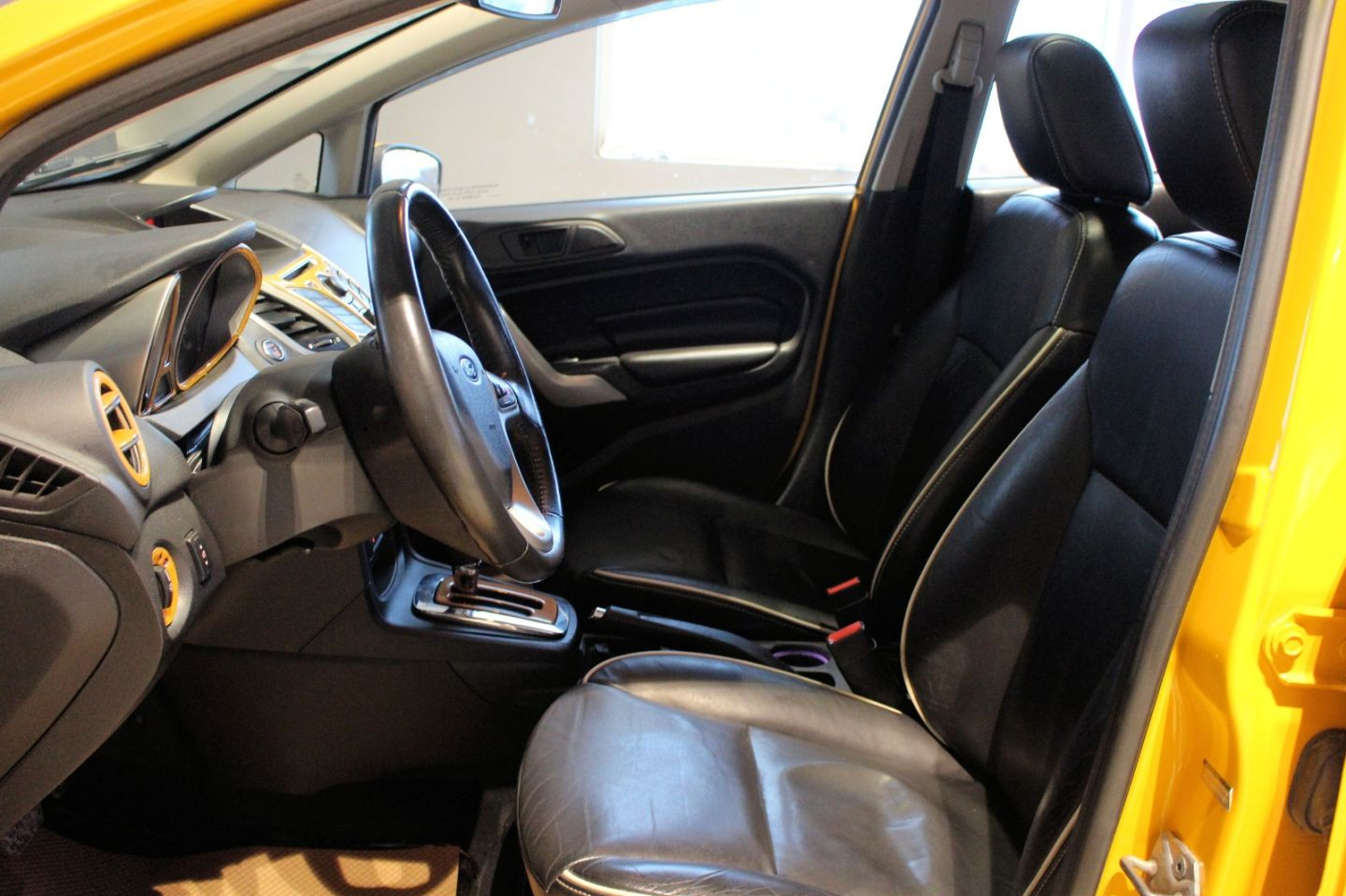 2011 Ford Fiesta SES for sale in ,