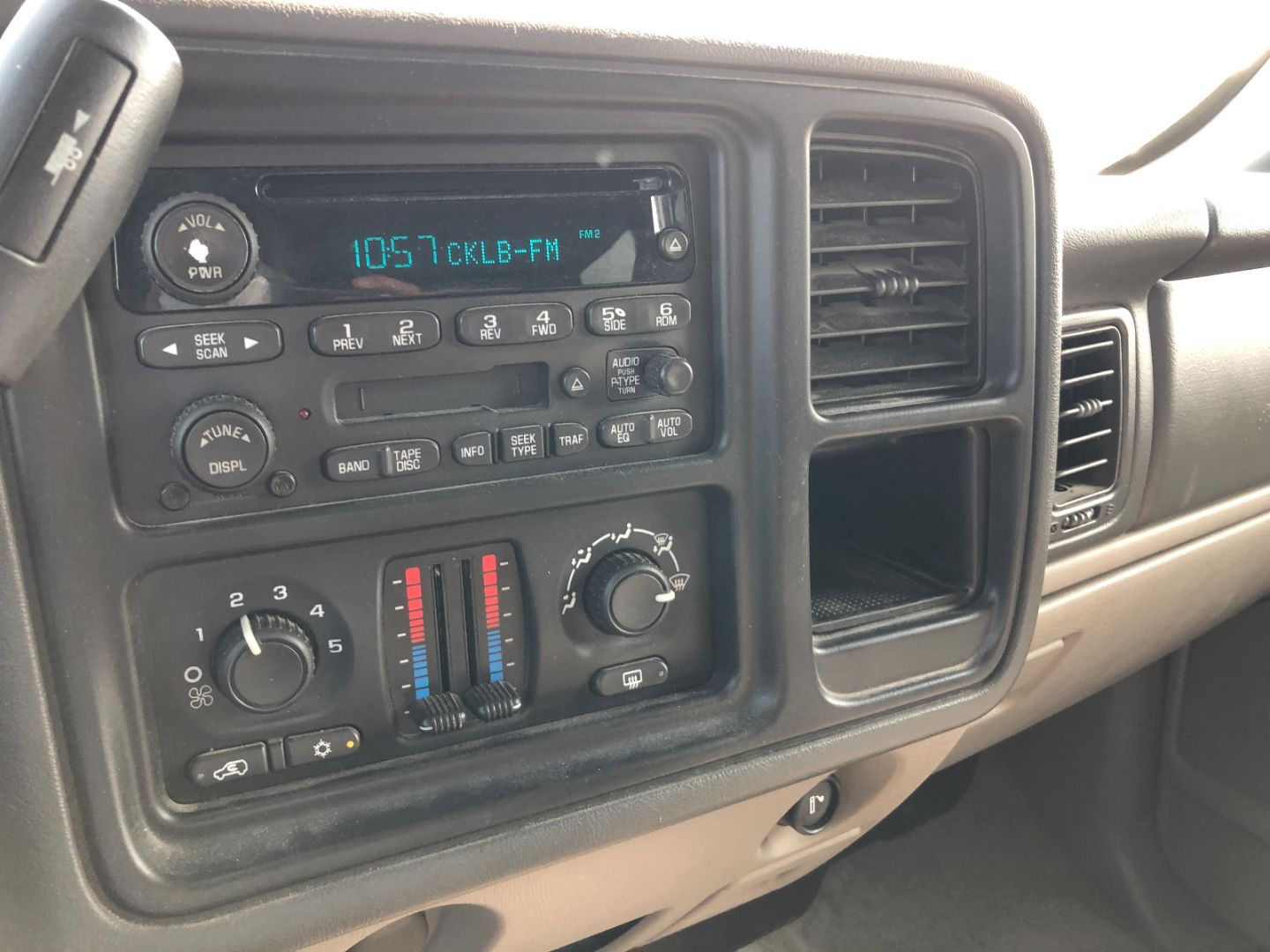 2004 GMC Yukon XL SLE for sale in Yellowknife, Northwest Territories