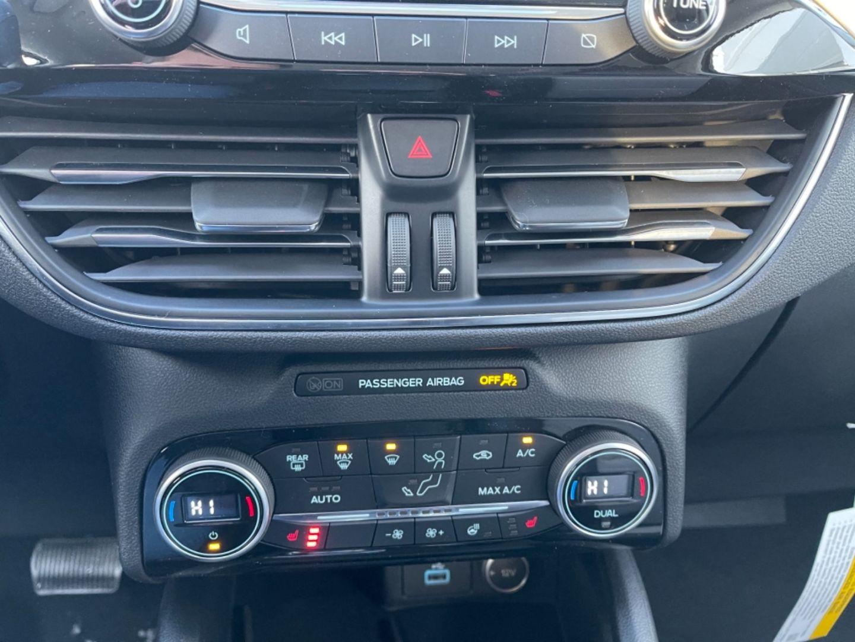2021 Ford Escape Titanium Hybrid for sale in Hay River, Northwest Territories
