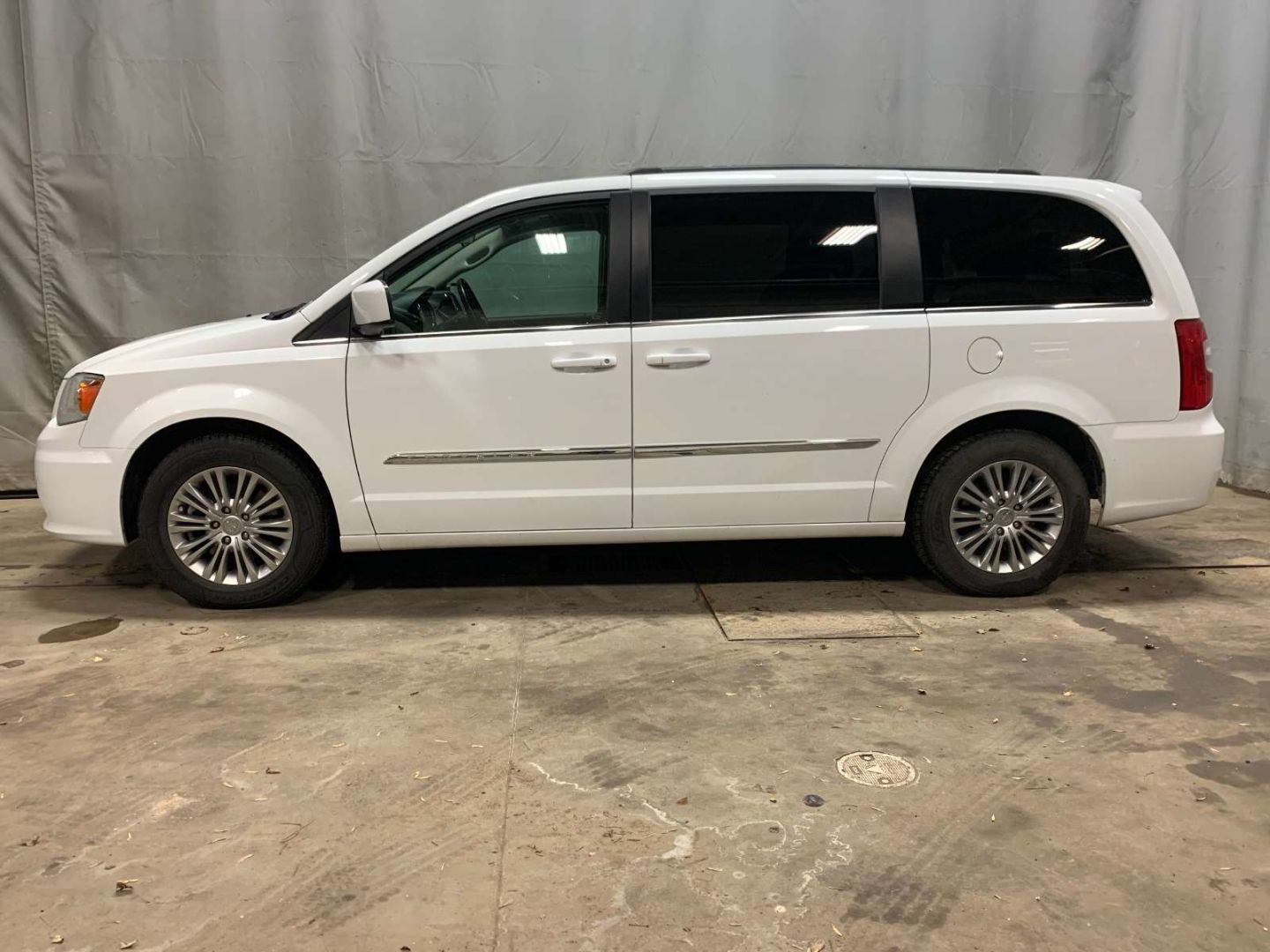 2016 Chrysler Town & Country Touring for sale in Red Deer, Alberta