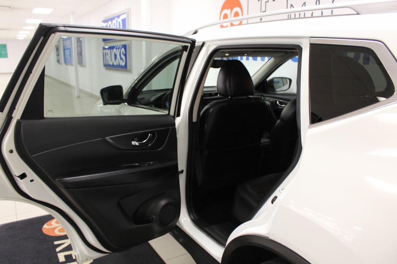 2014 Nissan Rogue SL for sale in Edmonton, Alberta