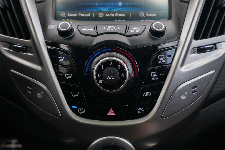 2015 Hyundai Veloster w/Tech for sale in Edmonton, Alberta