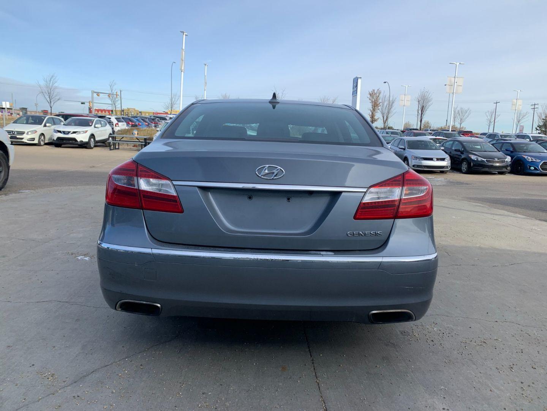 2014 Hyundai Genesis 3.8L for sale in Edmonton, Alberta