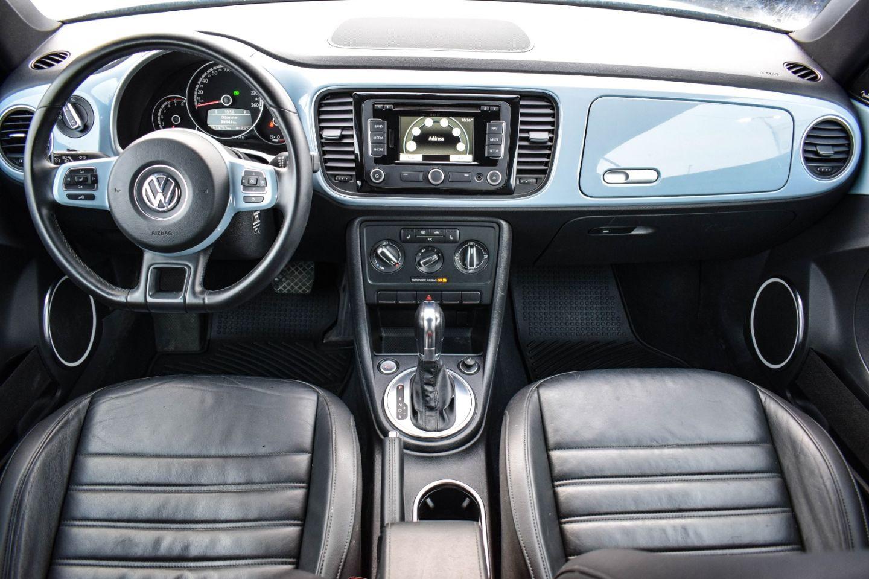 2013 Volkswagen Beetle Convertible Highline for sale in Winnipeg, Manitoba