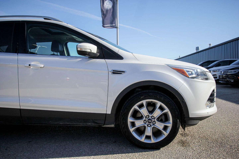 2014 Ford Escape Titanium for sale in Winnipeg, Manitoba