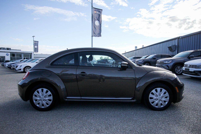 2015 Volkswagen Beetle Coupe Comfortline for sale in Winnipeg, Manitoba