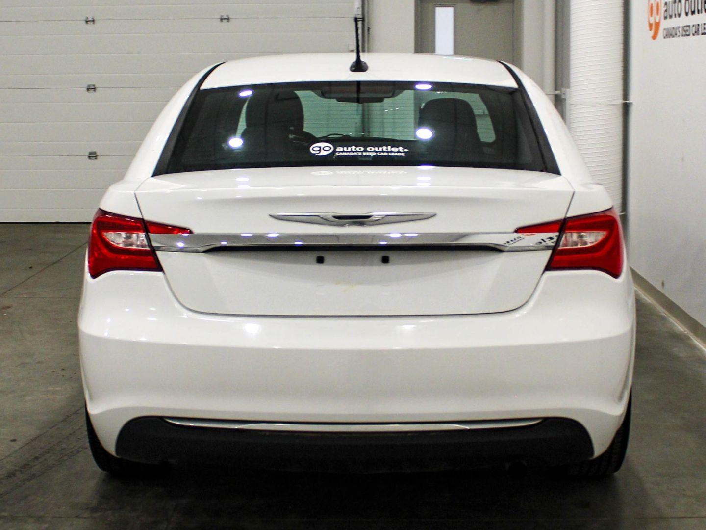 2013 Chrysler 200 LX for sale in ,