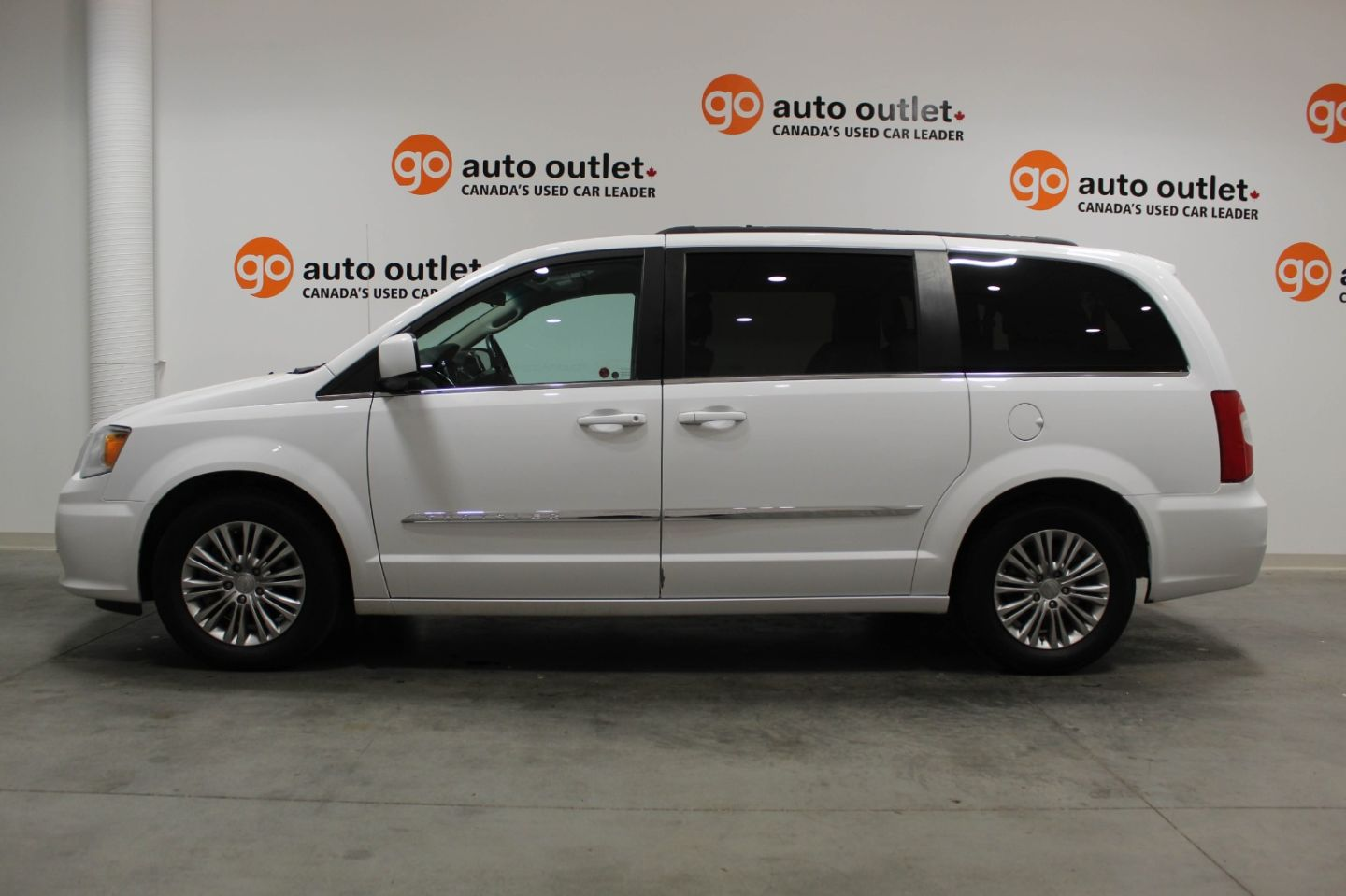 2016 Chrysler Town & Country Touring for sale in Edmonton, Alberta