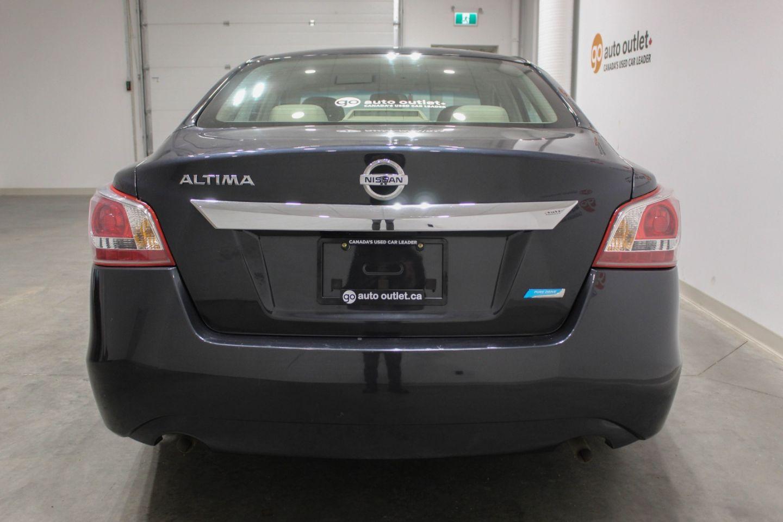 2013 Nissan Altima 2.5 for sale in Edmonton, Alberta