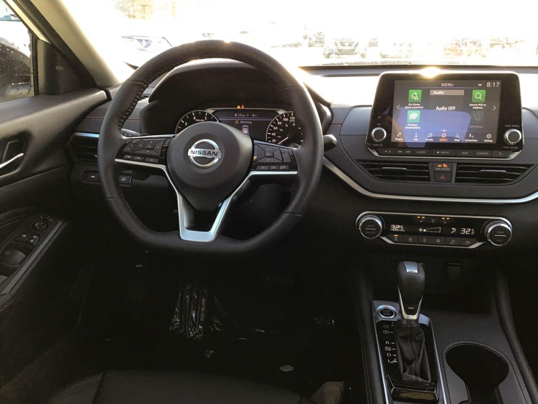 2021 Nissan Altima 2.5 SR for sale in Edmonton, Alberta