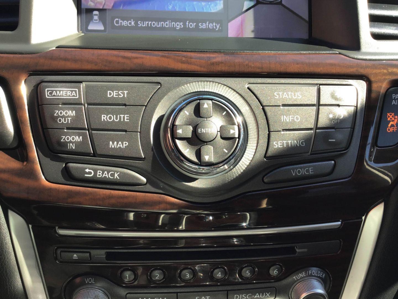 2014 Nissan Pathfinder Platinum Premium Hybrid for sale in Edmonton, Alberta