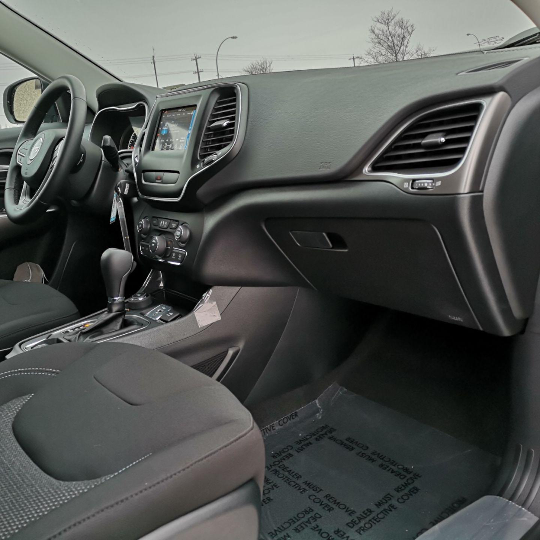 2020 Jeep Cherokee Sport for sale in Edmonton, Alberta