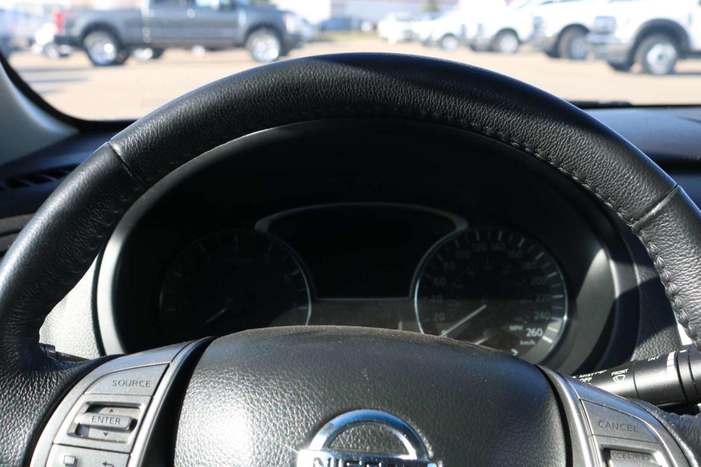 2014 Nissan Altima 2.5 SV for sale in Edmonton, Alberta