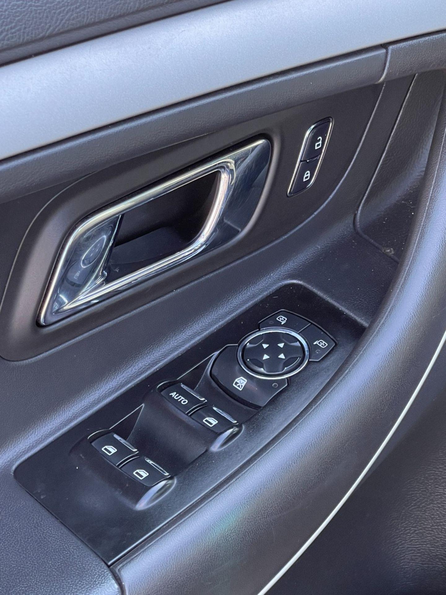 2015 Ford Taurus SEL for sale in Edmonton, Alberta