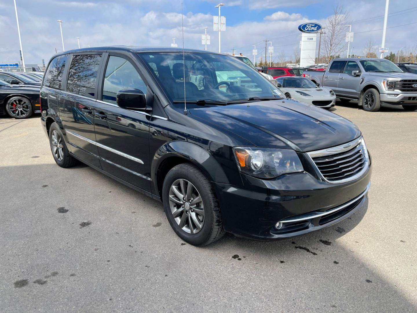 2014 Chrysler Town & Country S for sale in Edmonton, Alberta