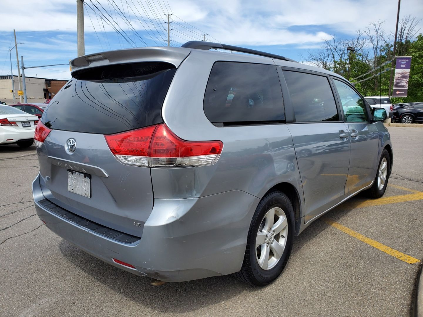 2012 Toyota Sienna LE for sale in Mississauga, Ontario