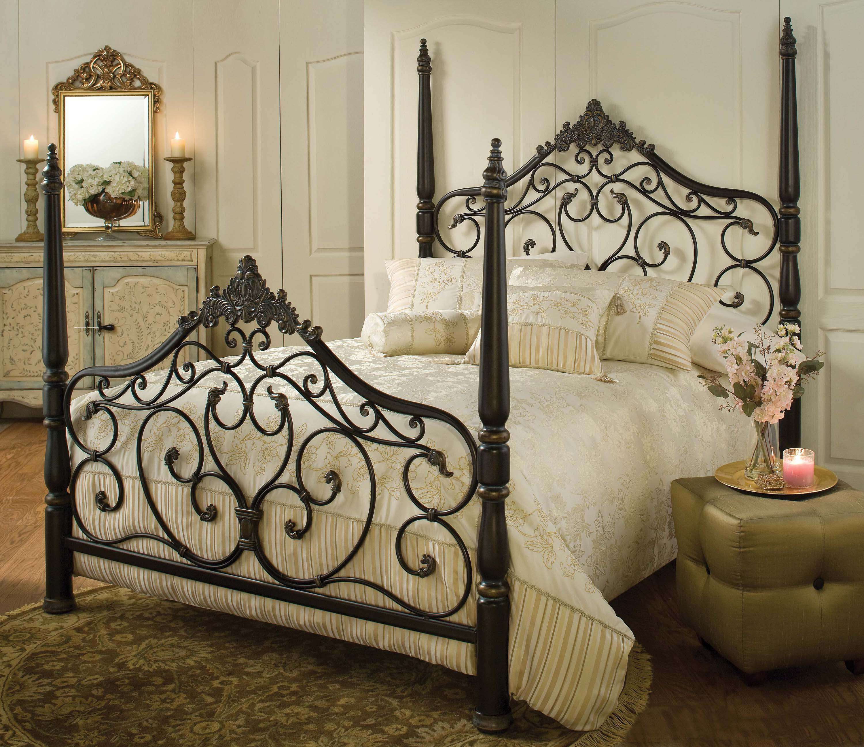 Hillsdale Parkwood Black Gold King Bed Set With Bed Rails