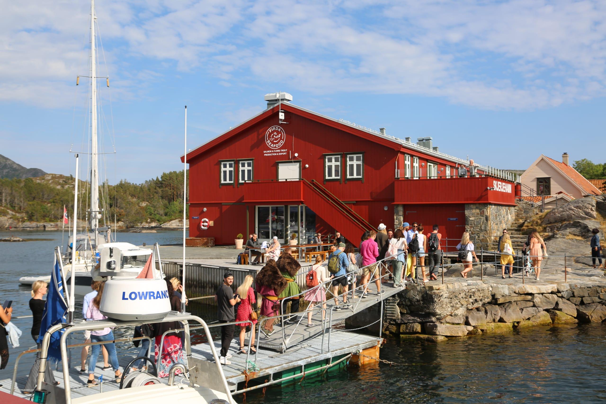 Boat to Skjerjehamn