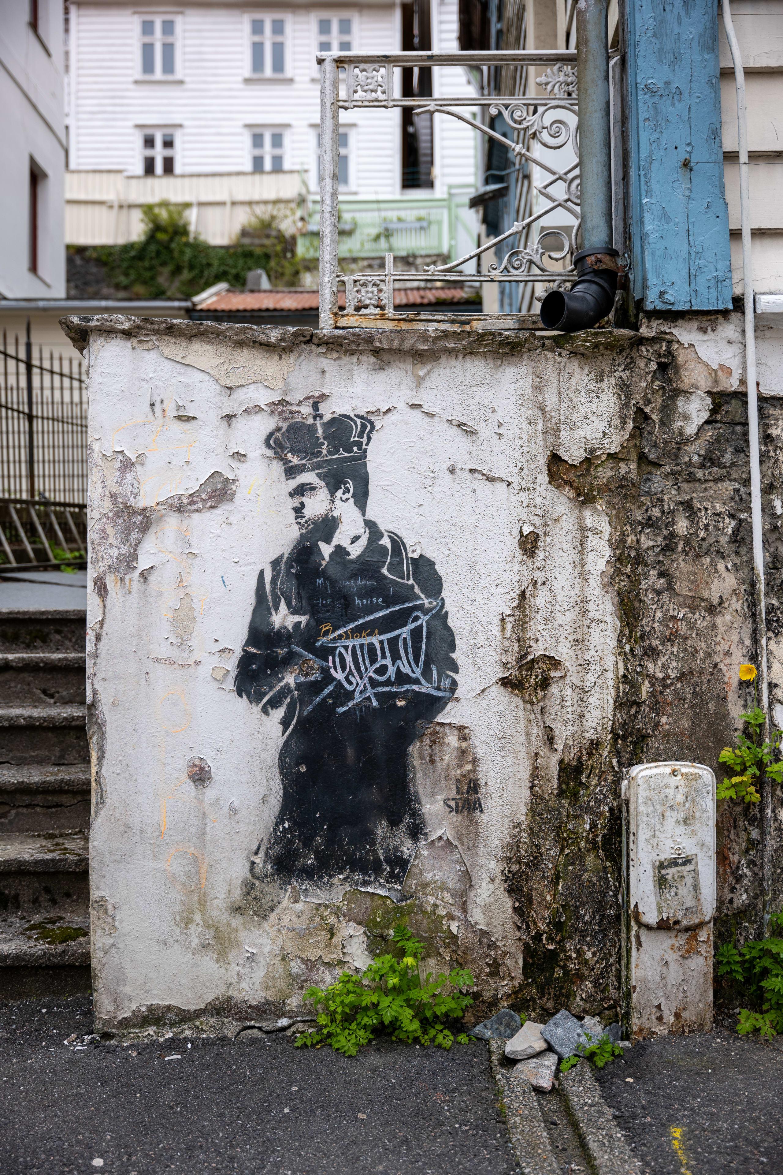 Street art in Bergen by La Staa