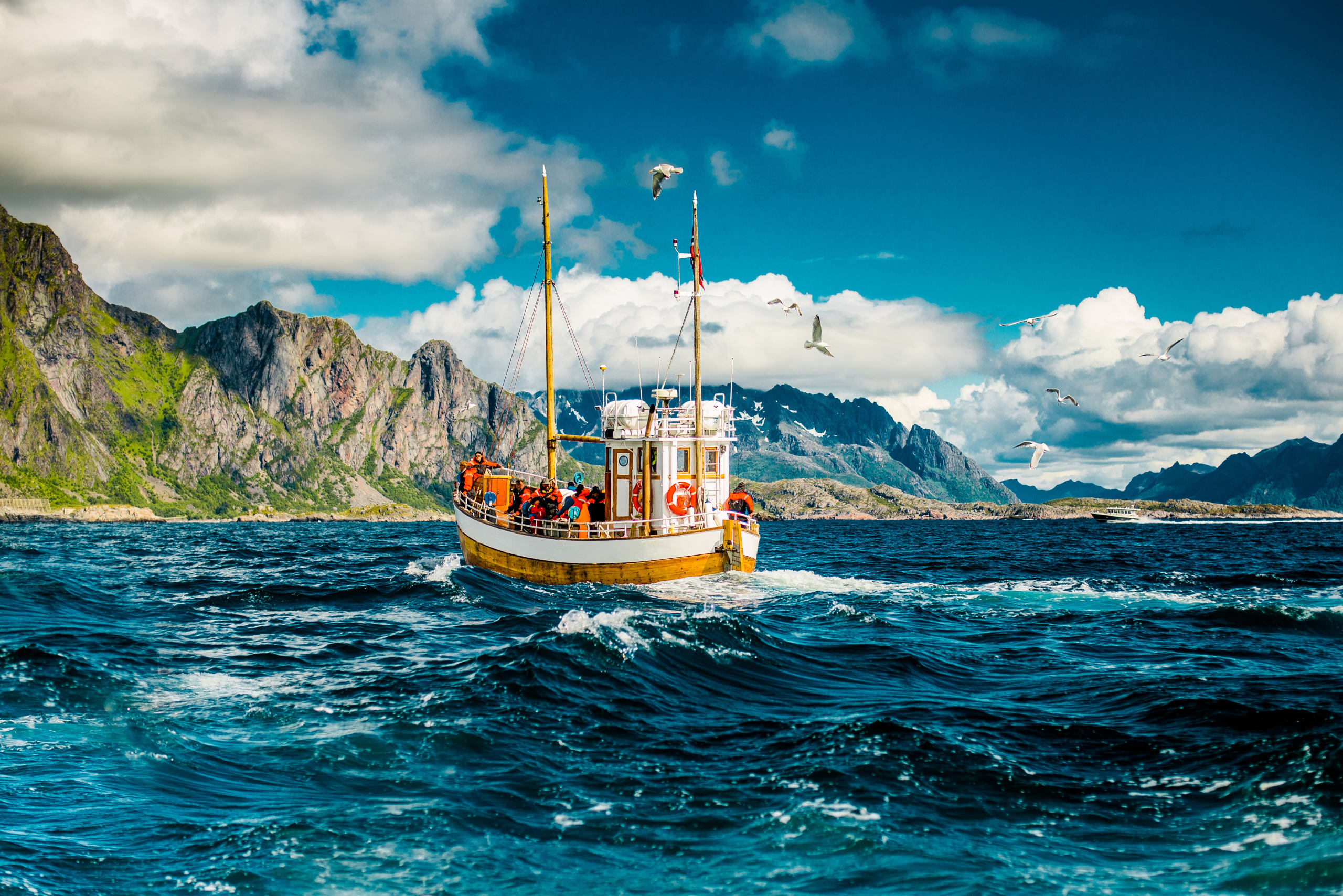 Deep sea fishing with MV Symra