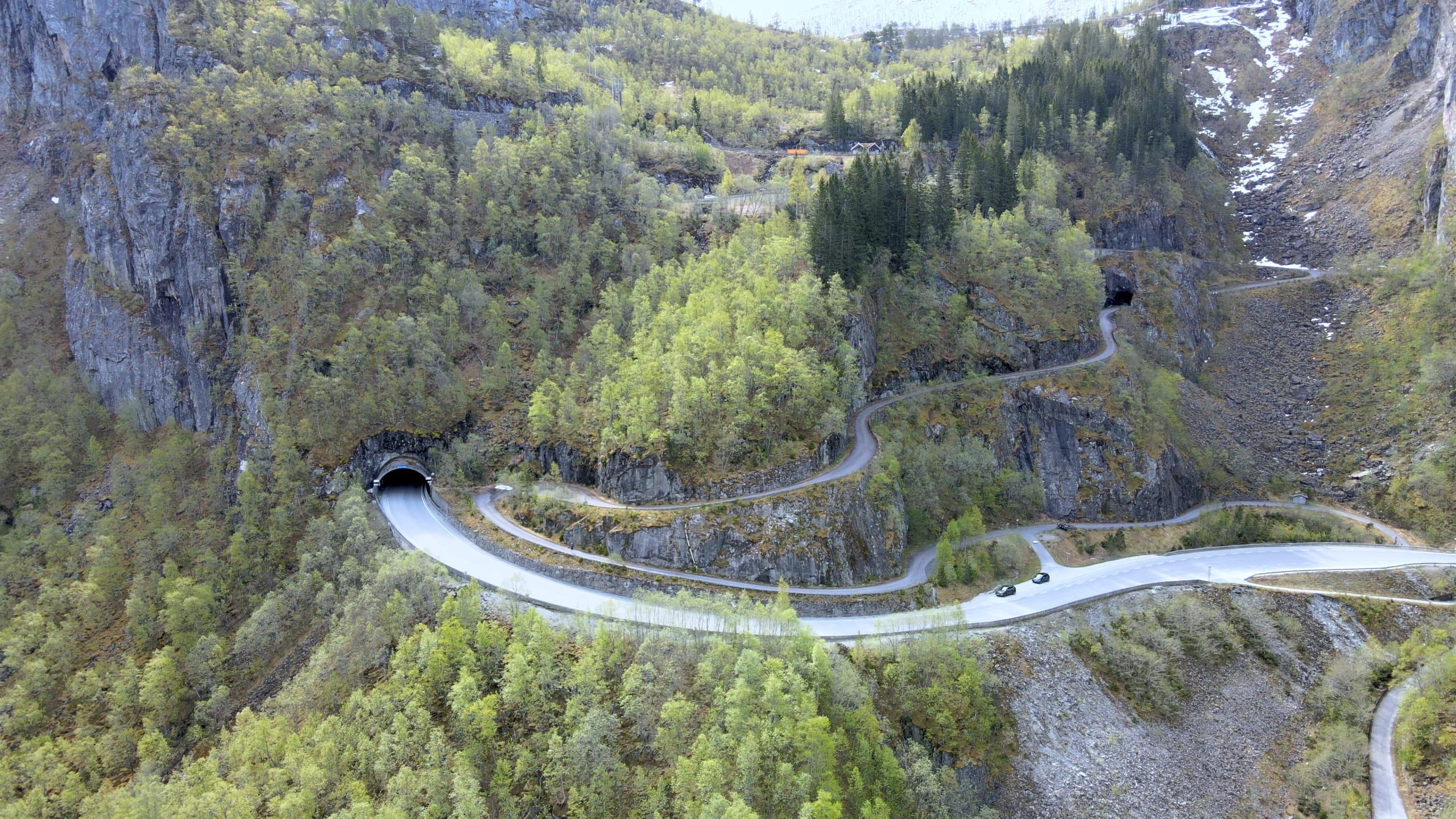 Winding roads up Måbødalen valley