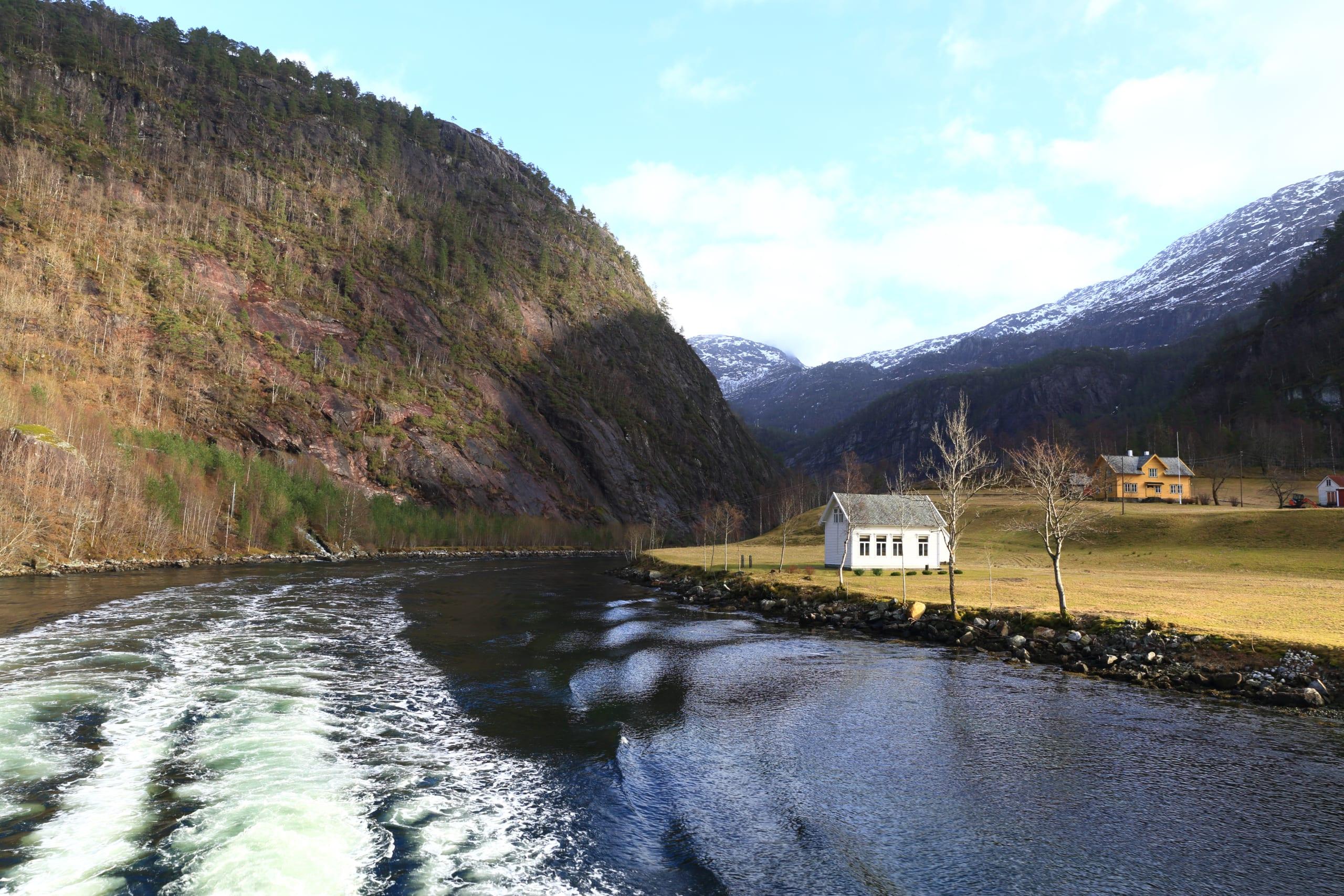 Mostraumen river