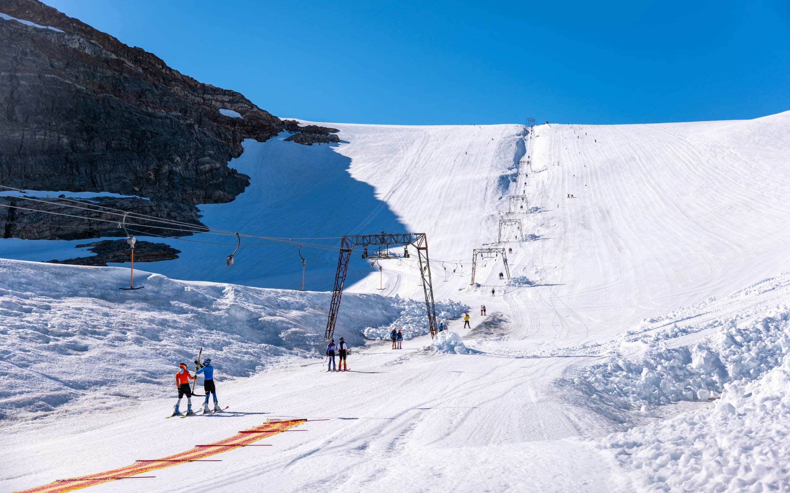 Summer skiing at Folgefonna