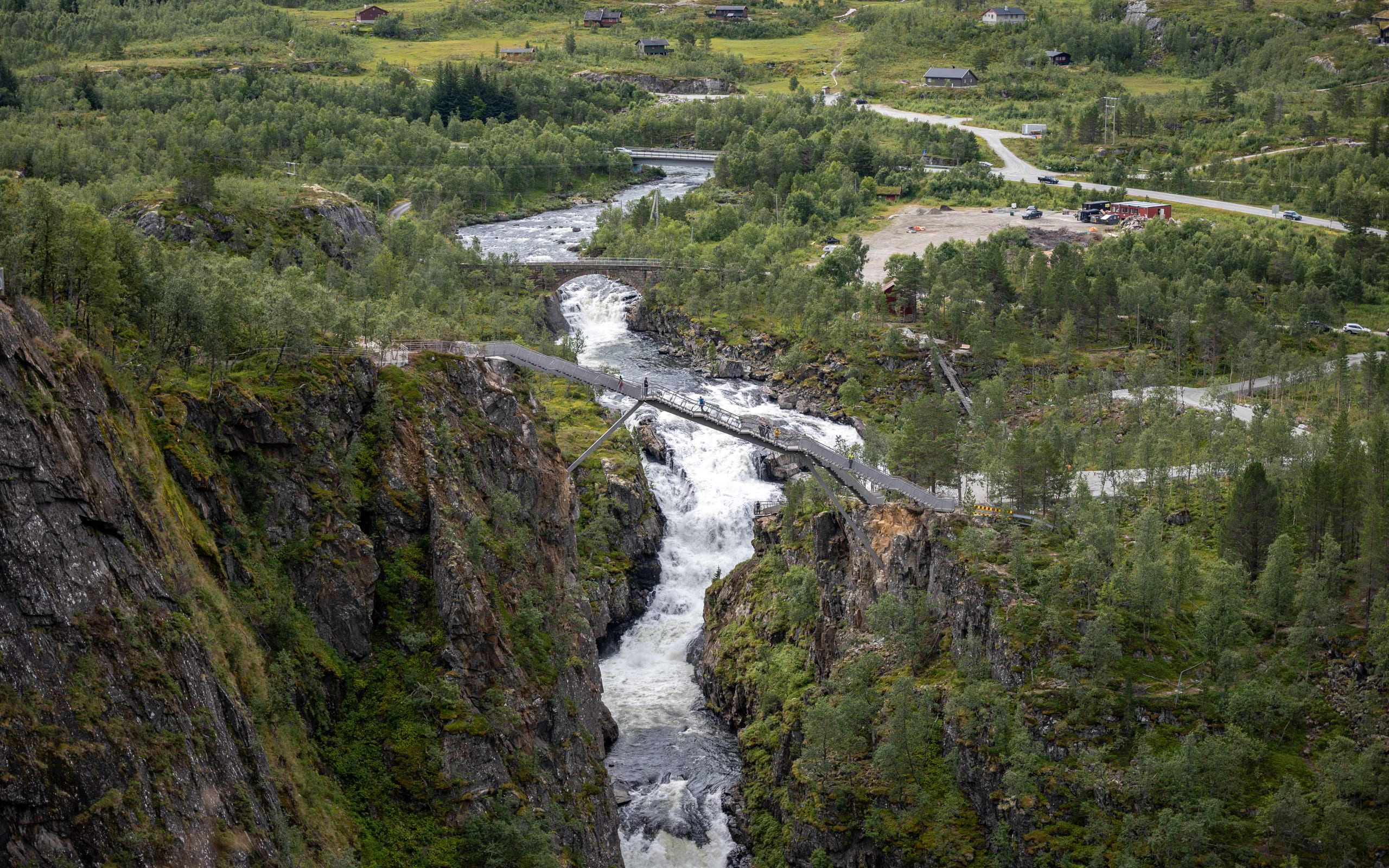Vøringsfossen-step-bridge