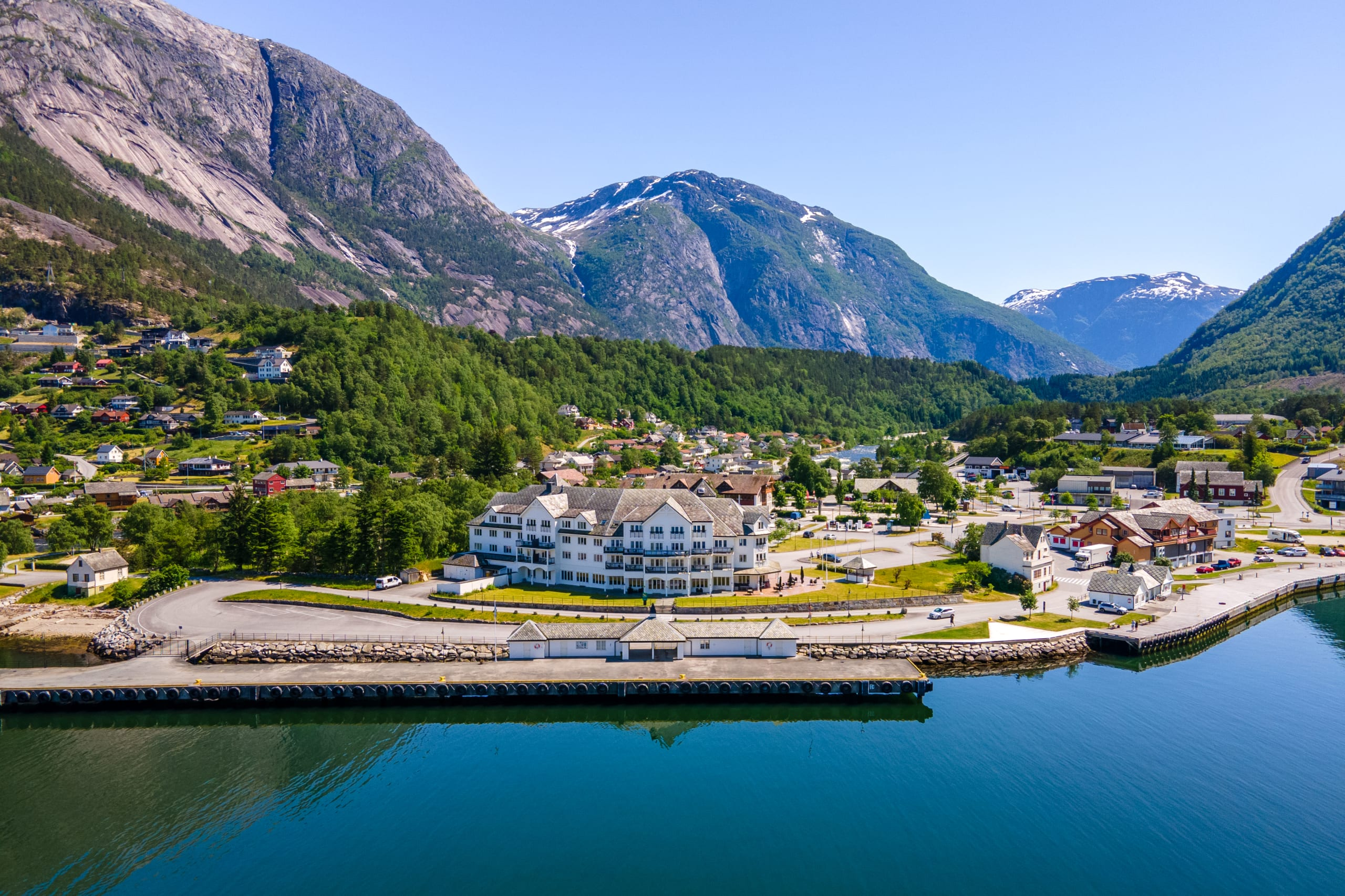 Eidfjord town view