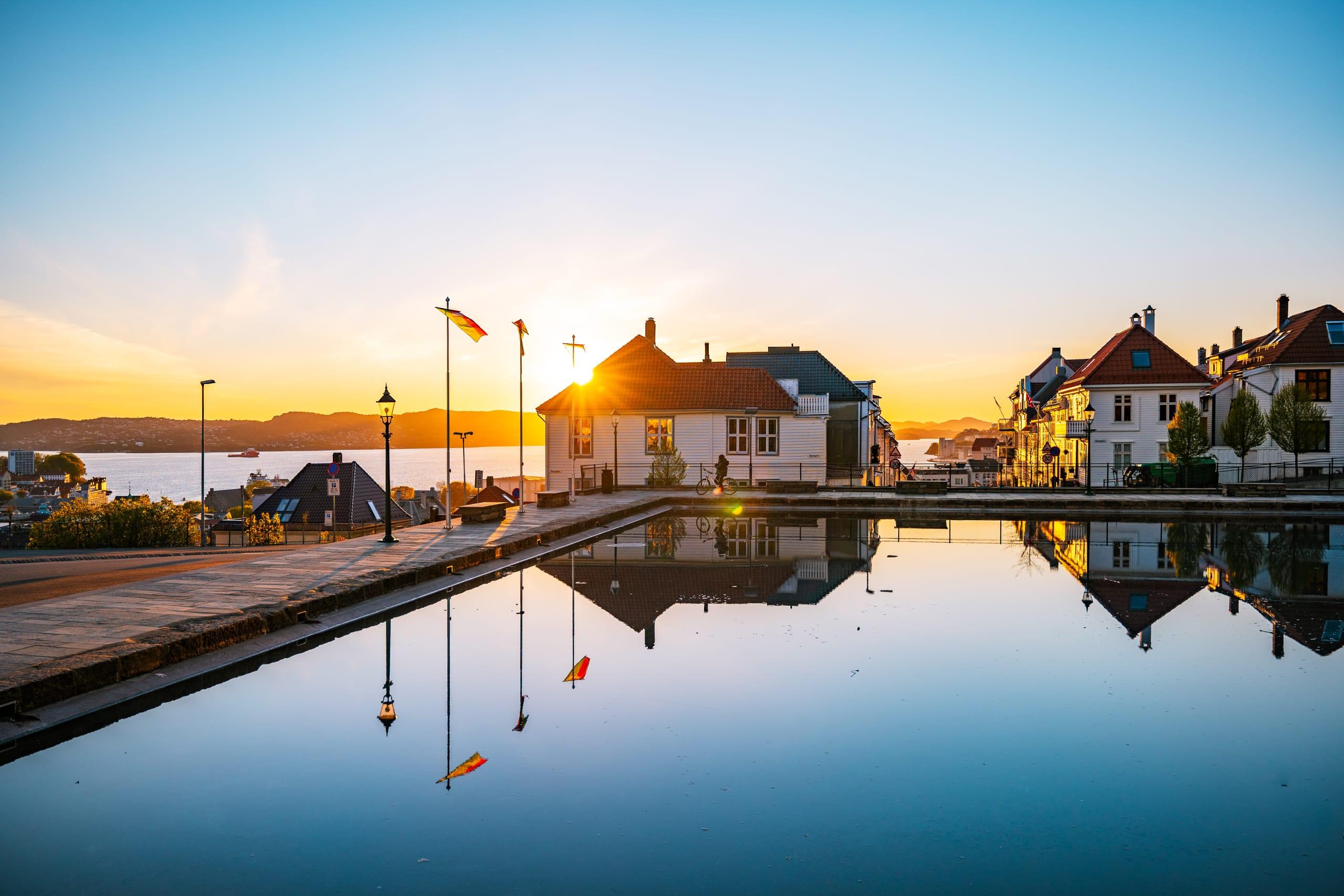 Sunset at Skansedammen pond in Sandviken Bergen