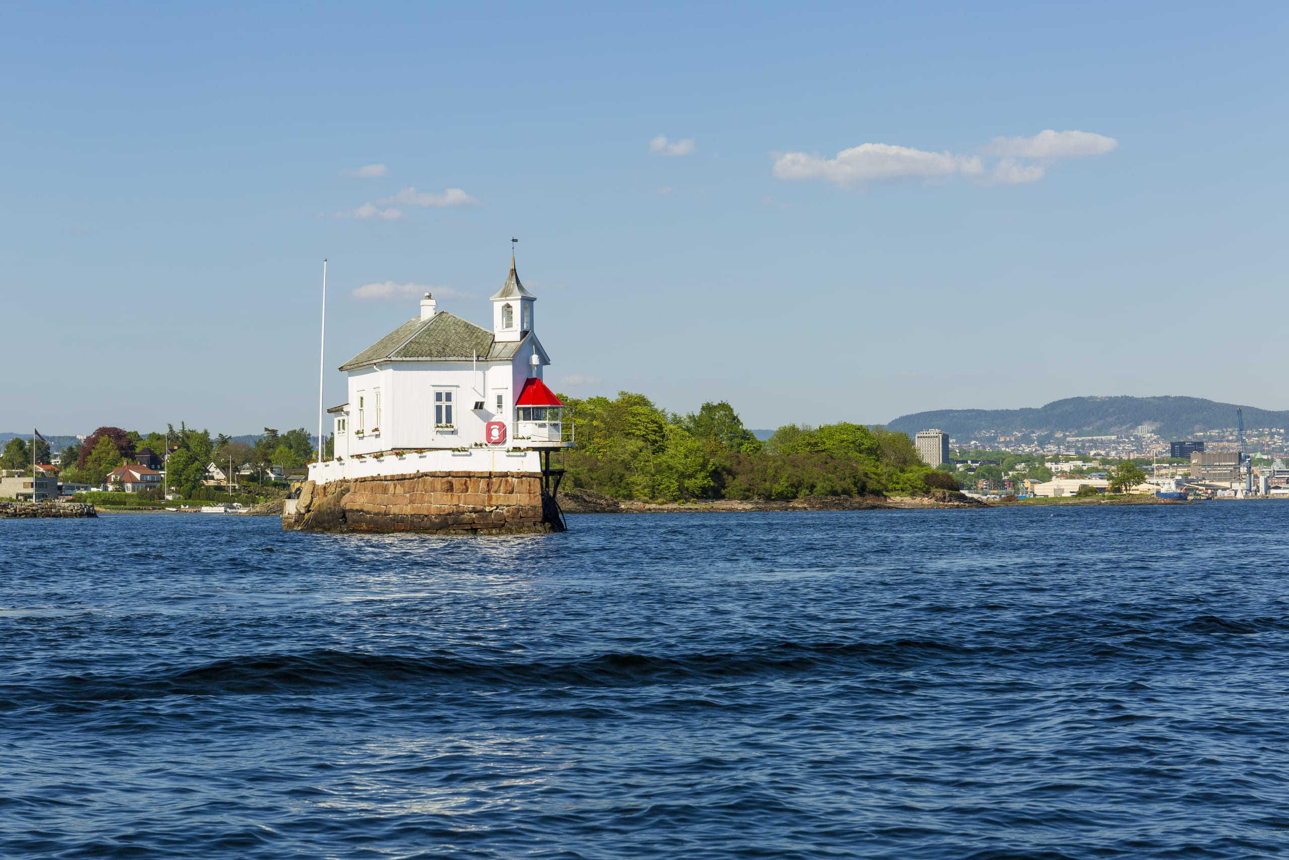 Dyna lighthouse on the coast of Oslo