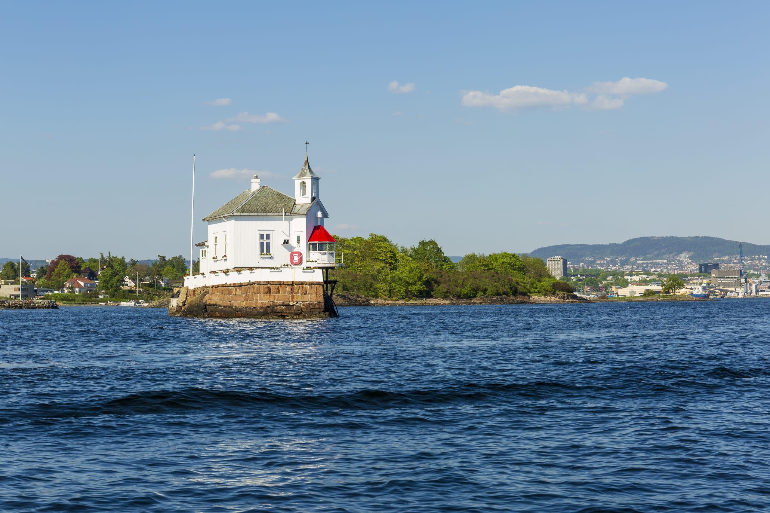 Dyna lighthouse on the coast of Oslo