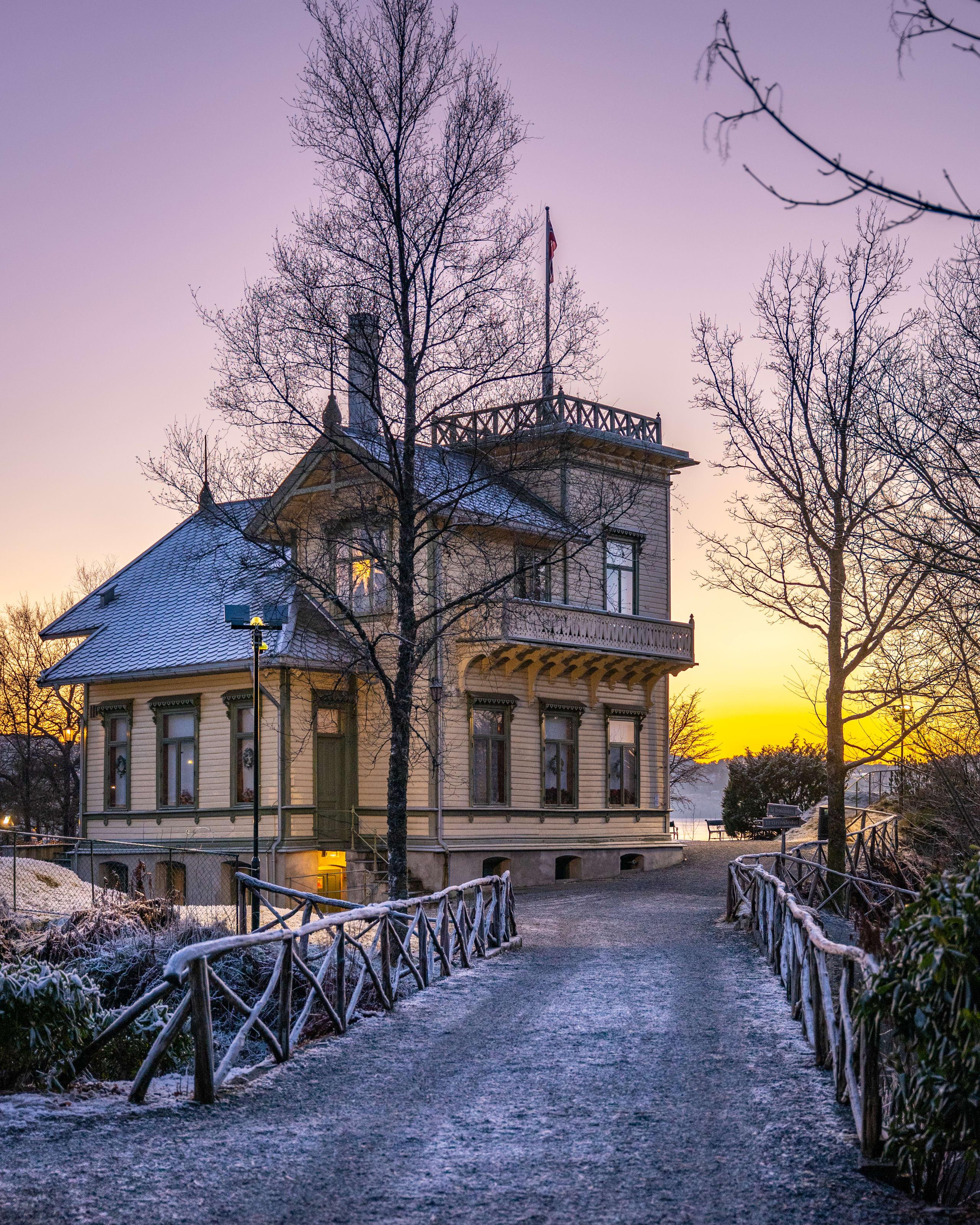 Troldhaugen mansion in sunset