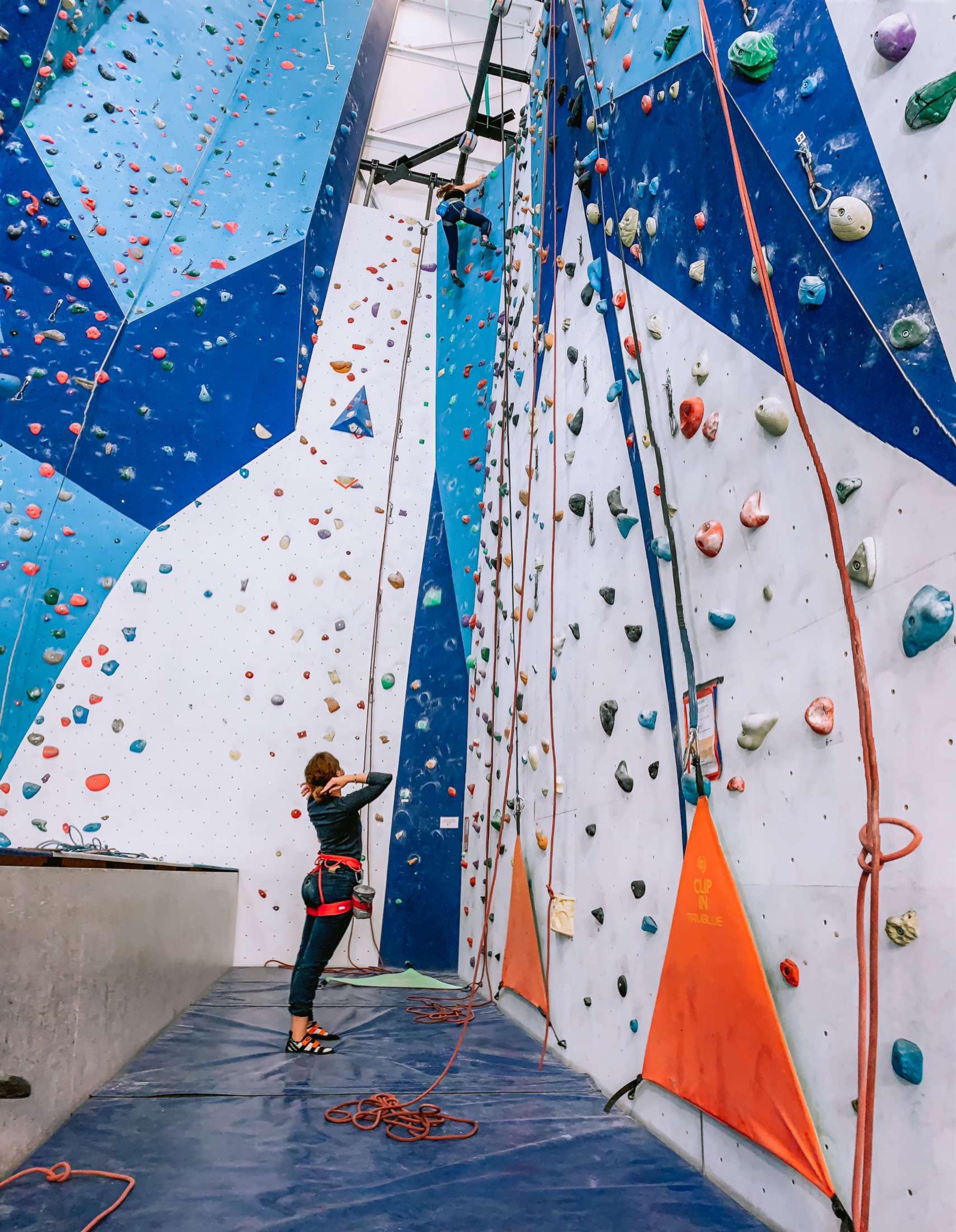 Climbing wall at Tindesenteret