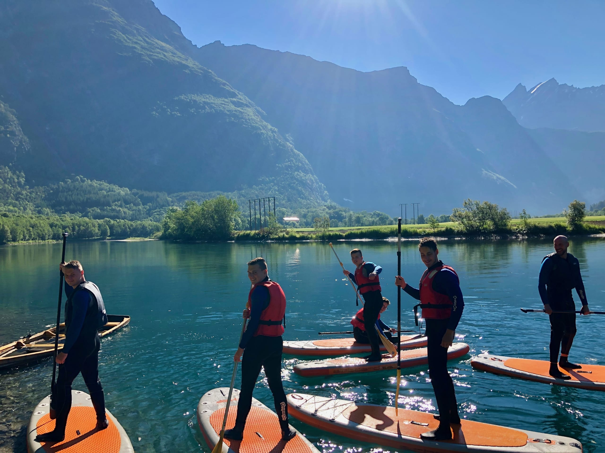 SUP tour on the Istra River in Åndalsnes