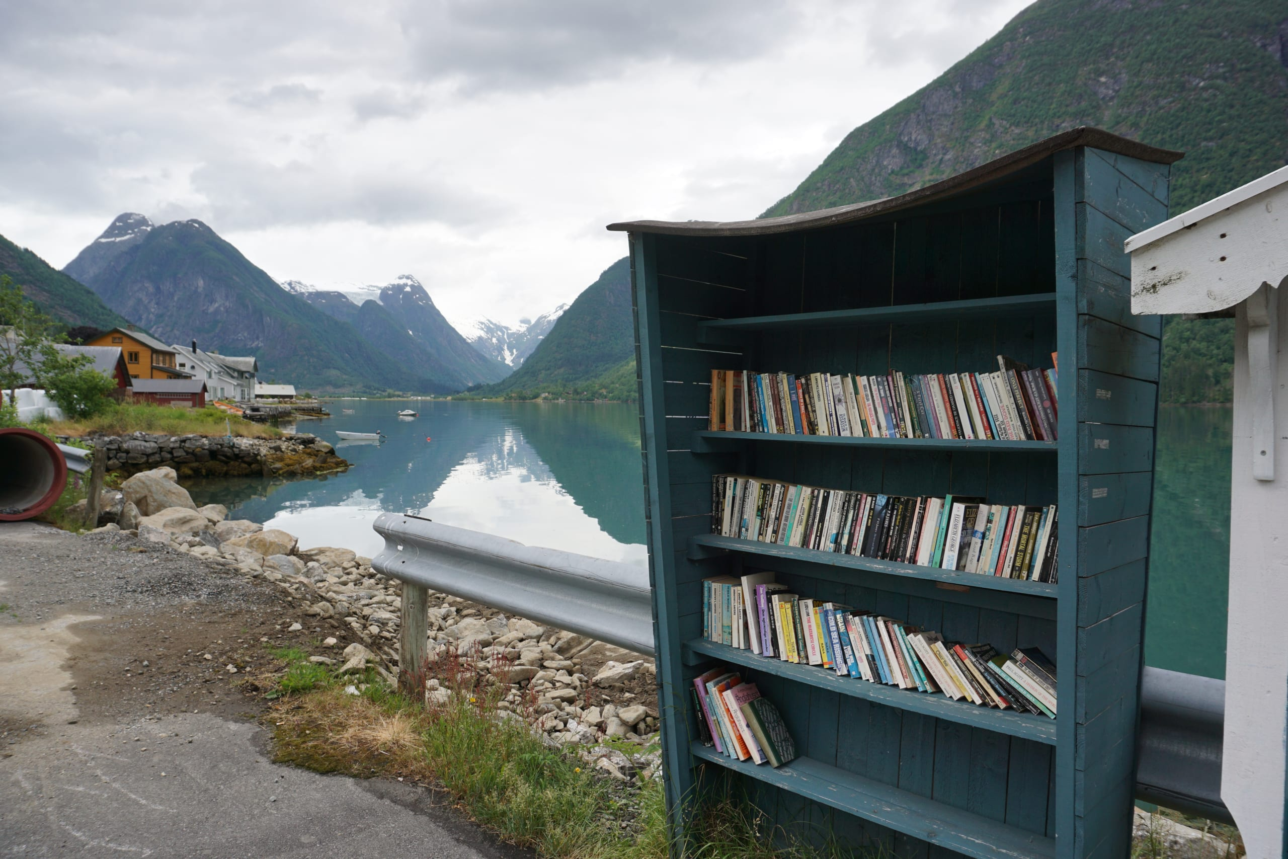 Bookshelf in Fjærland