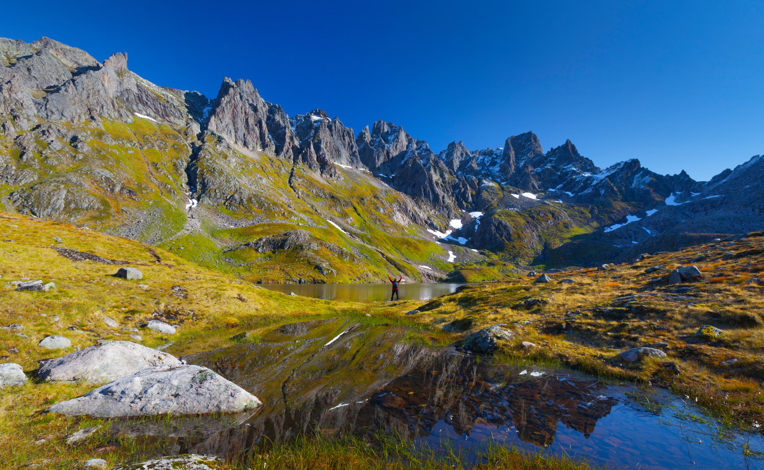 Storevatnet in Molladalen in Sunnmøre Alps
