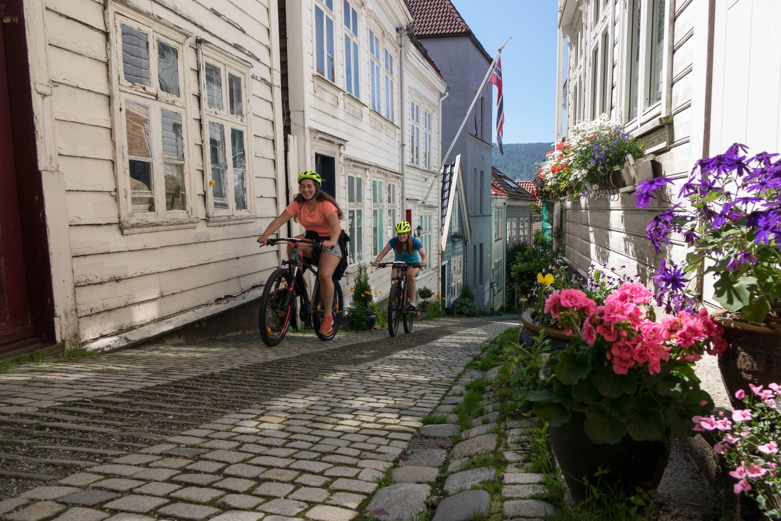 Guided bike tour in Bergen