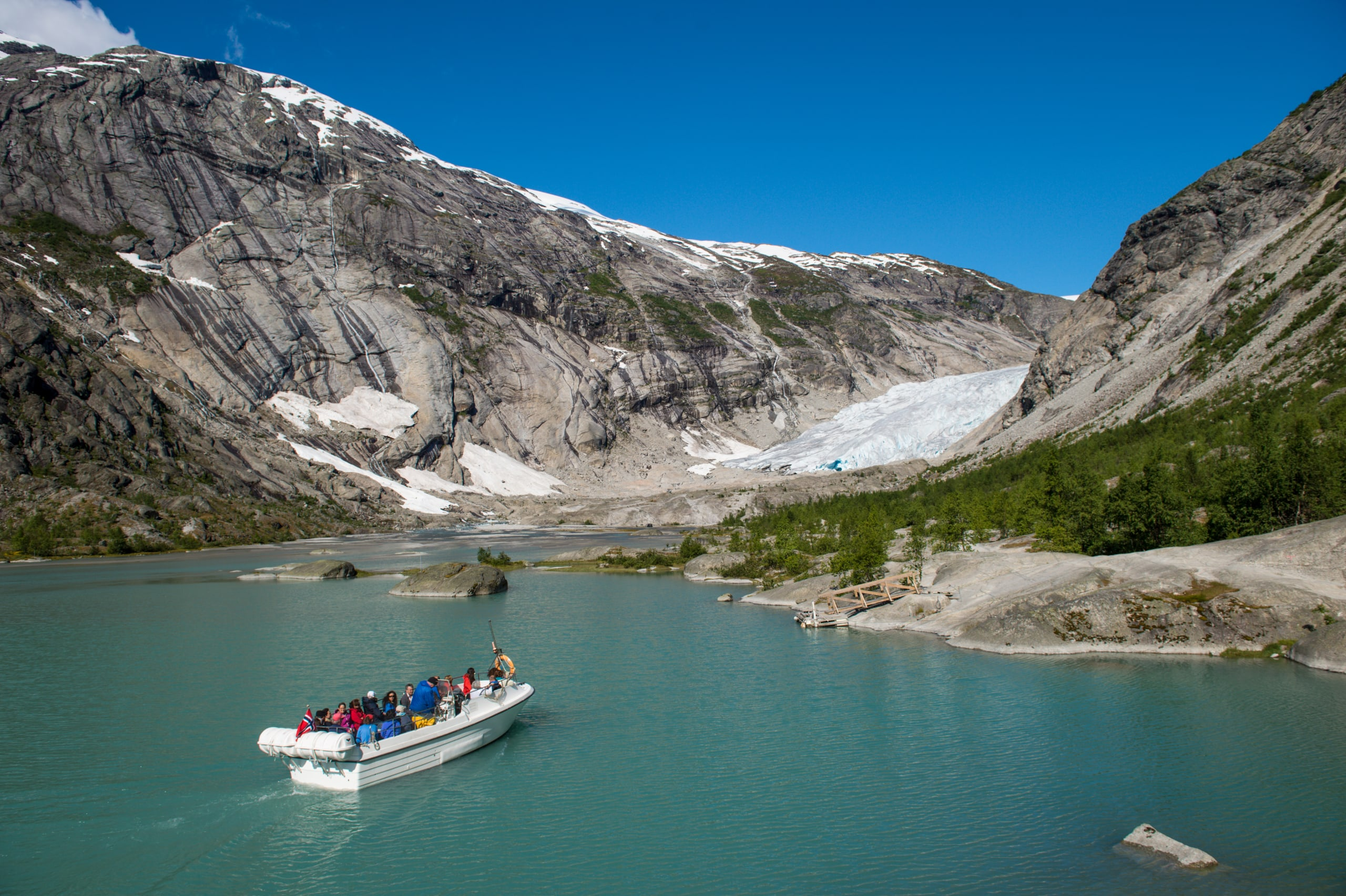Boat headed for Nigardsbreen