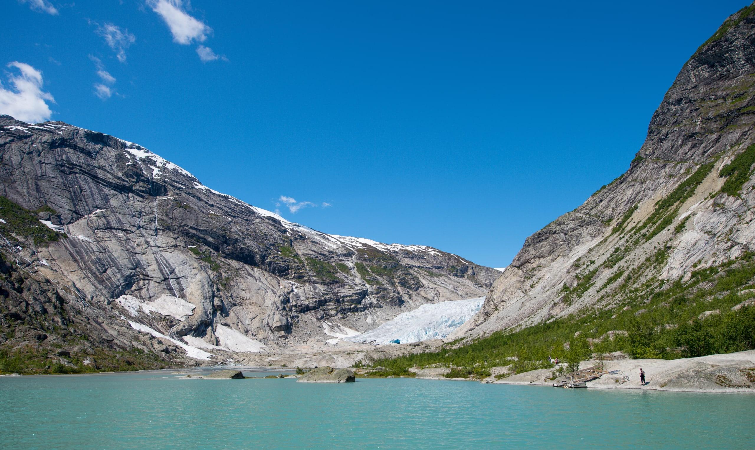 Nigardsbreevatnet lake