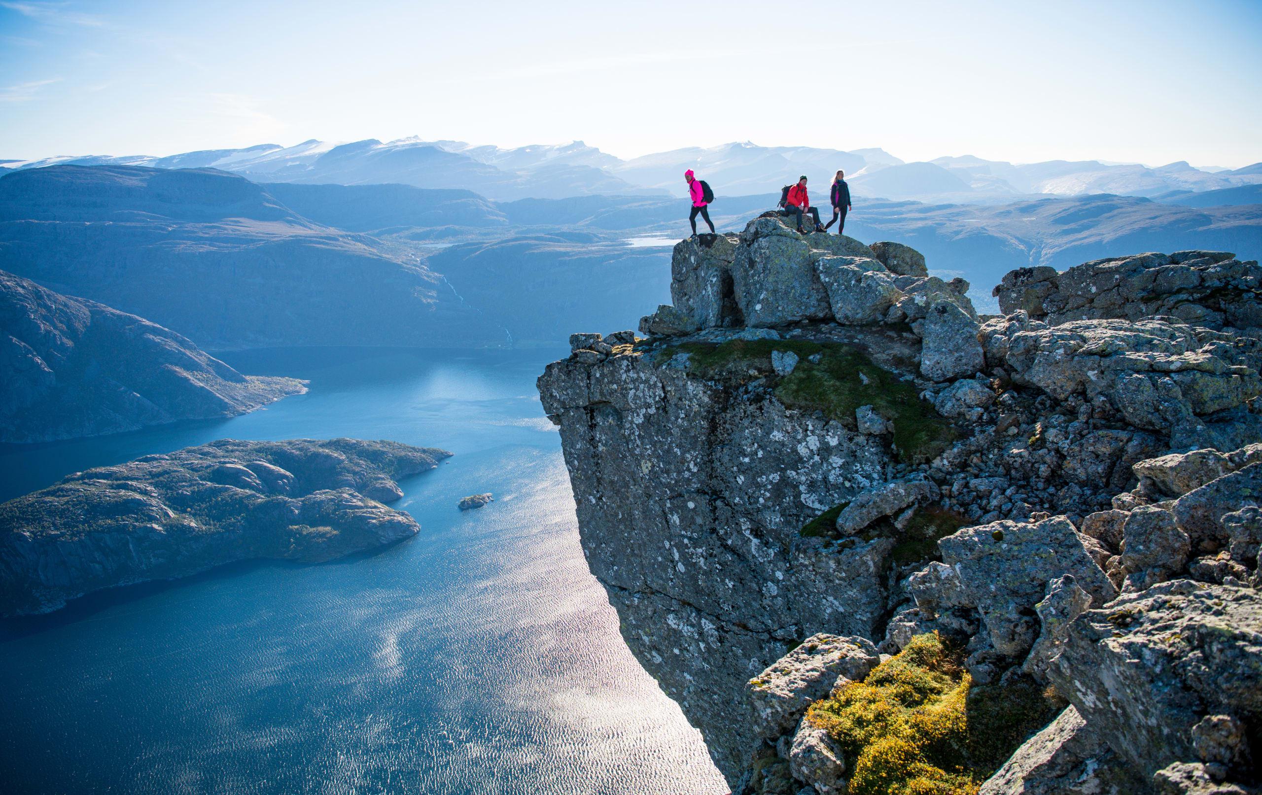 Hikers on the summit of Hornelen