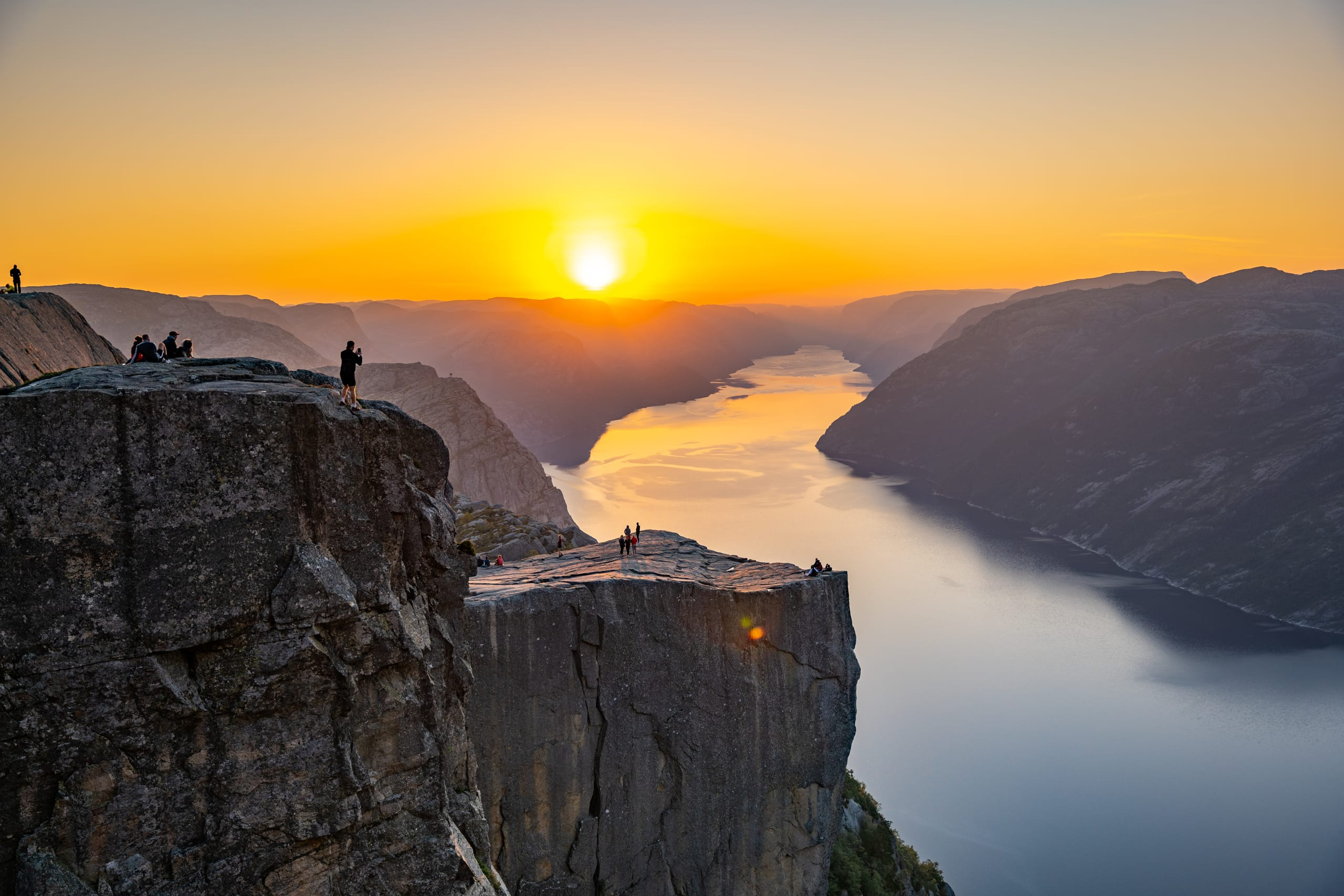 Sunrise at Preikestolen