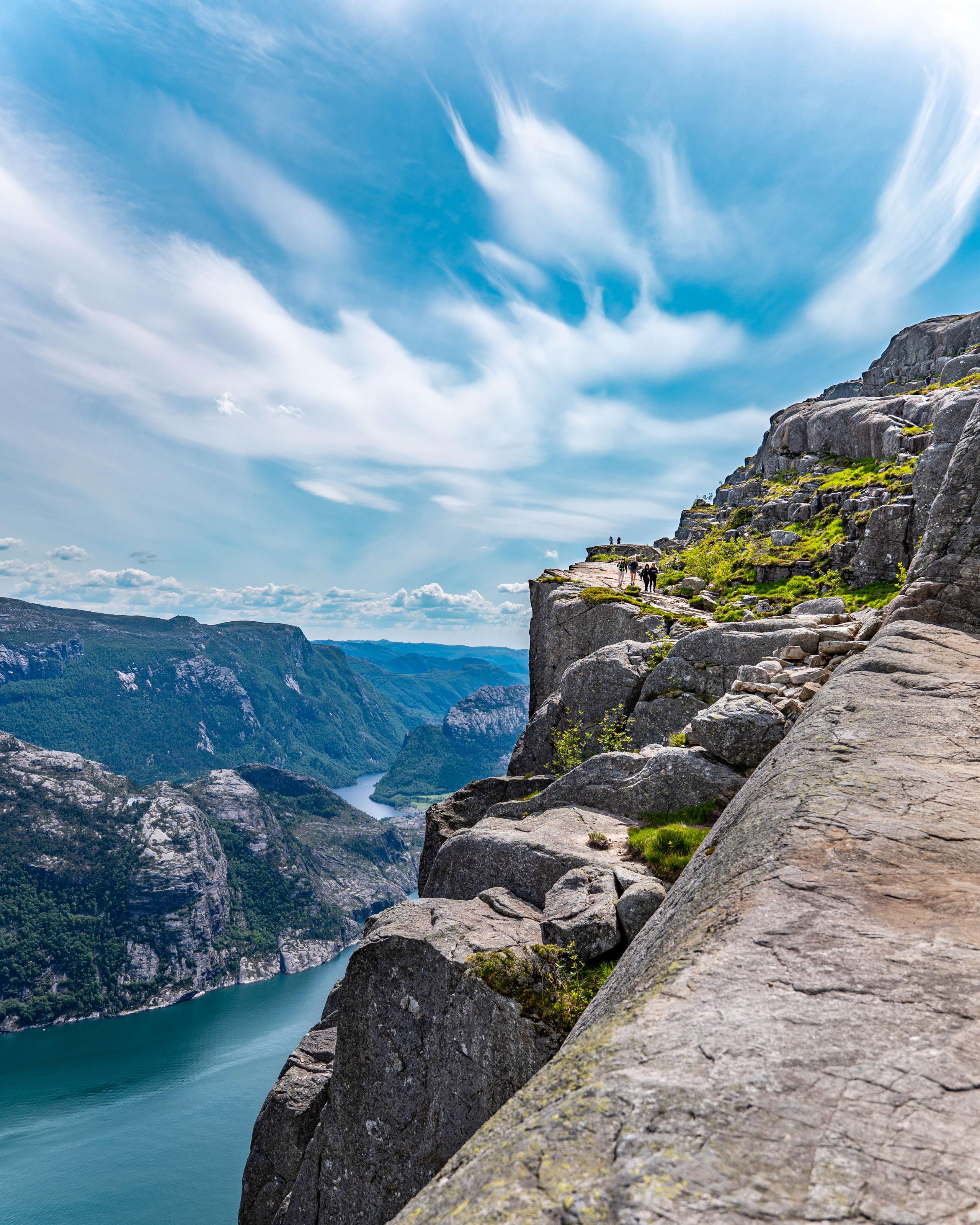 Airy hiking terrain to Preikestolen