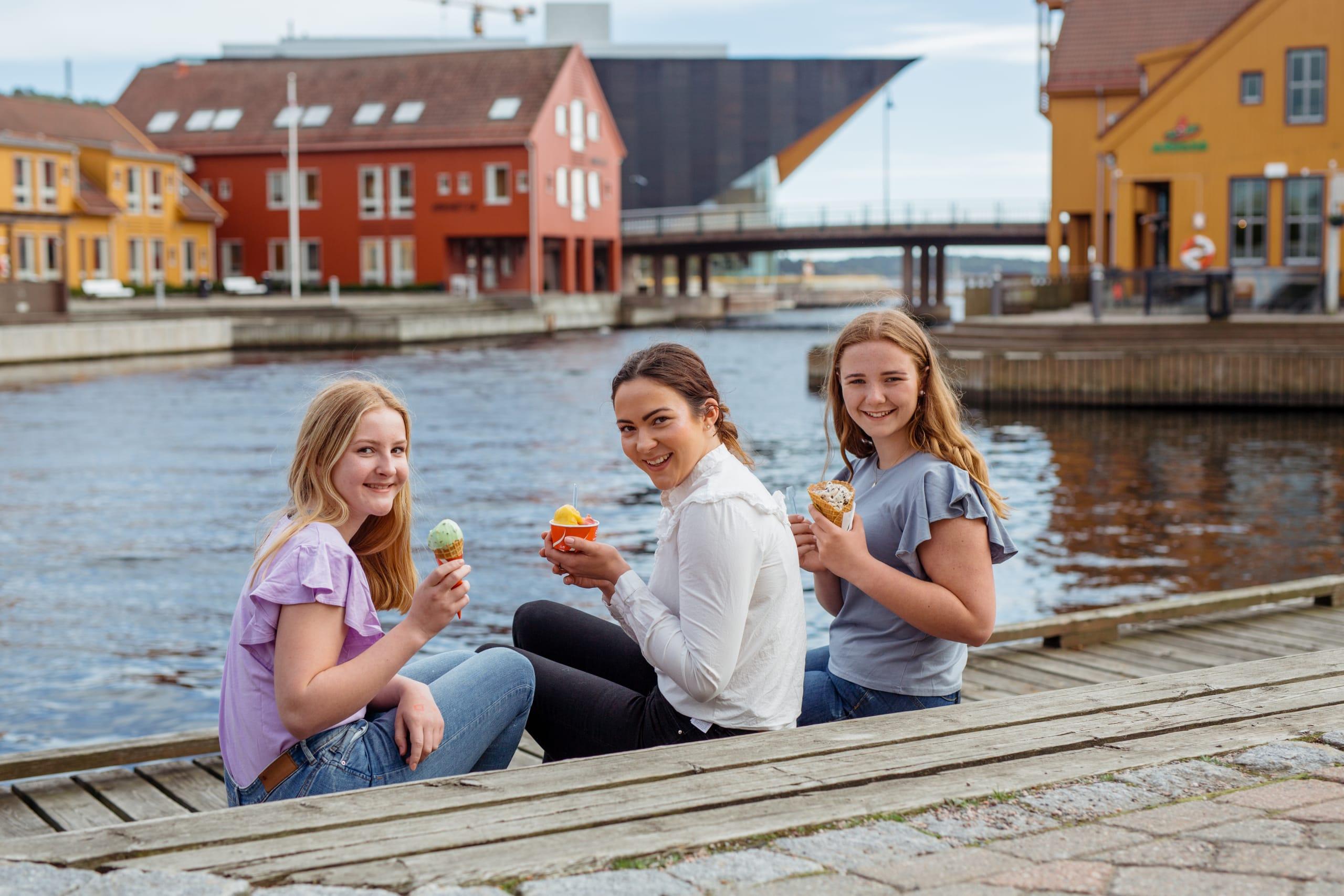 Three friends eating ice cream in Kristiansand