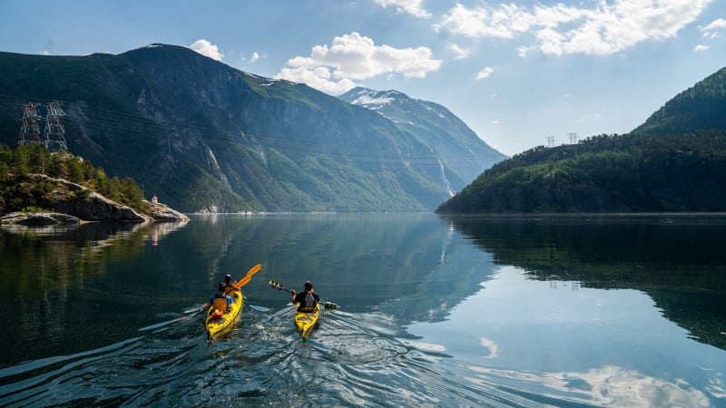 Kayaking tour in the Nordalsfjord and the UNESCO-listed Tafjord