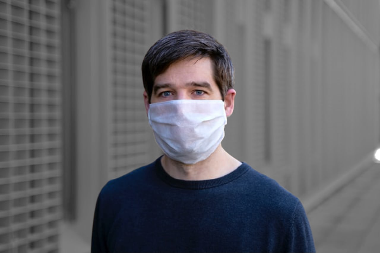 Small business owner wearing a facemask for COVID-19