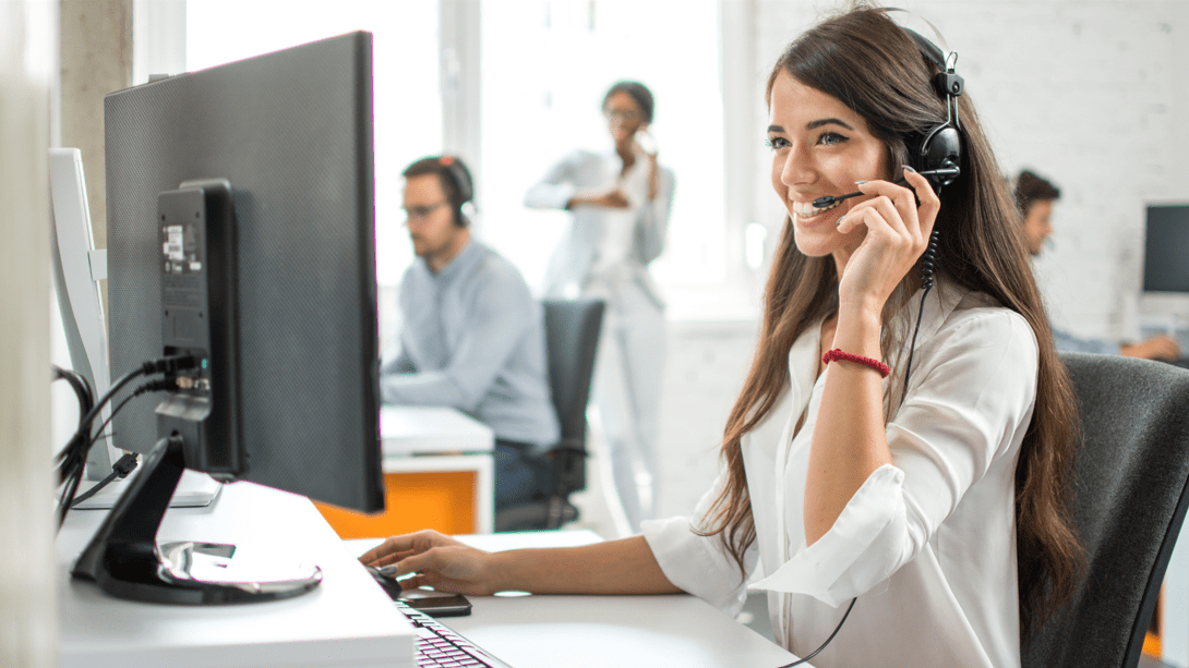 The 3 Stages of Building A Stellar Remote Customer Service Team