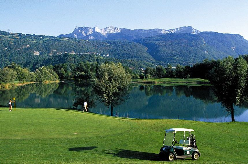 golf de grenoble charmeil french alps book a golf holiday or golf break. Black Bedroom Furniture Sets. Home Design Ideas