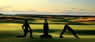 Golf und Yoga lassen sich durch wenige Modifikationen auf einander abstimmen. (Foto: Getty)